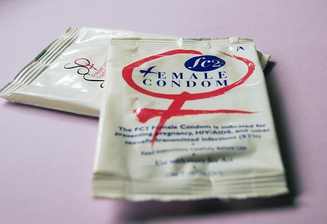 Female-condoms-849411_640